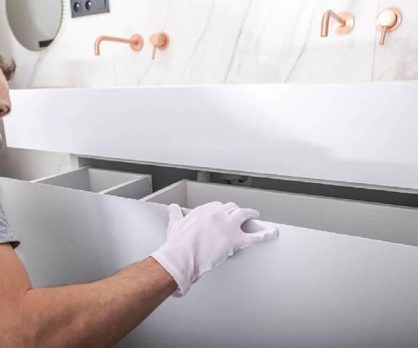 O Guia definitivo para adesivar e renovar seus móveis.